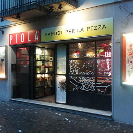 4 – Poeti in pizzeria